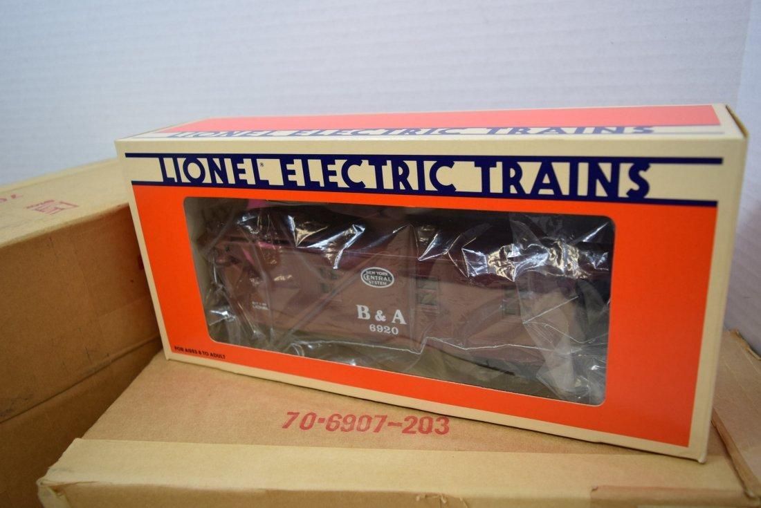 3 LIONEL TRAIN B & A CABOOSES 6920 - NIB - 3