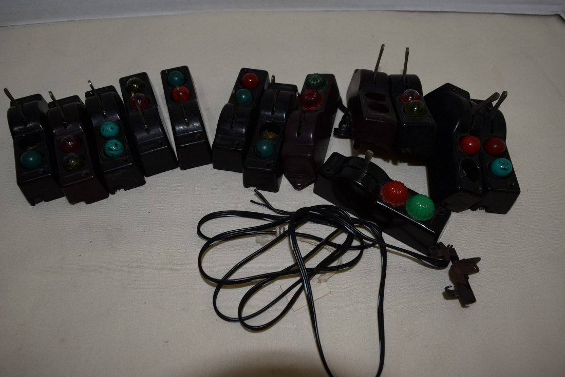 13 LIONEL AUTOMATIC SWITCH CONTROLLERS O GAUGE