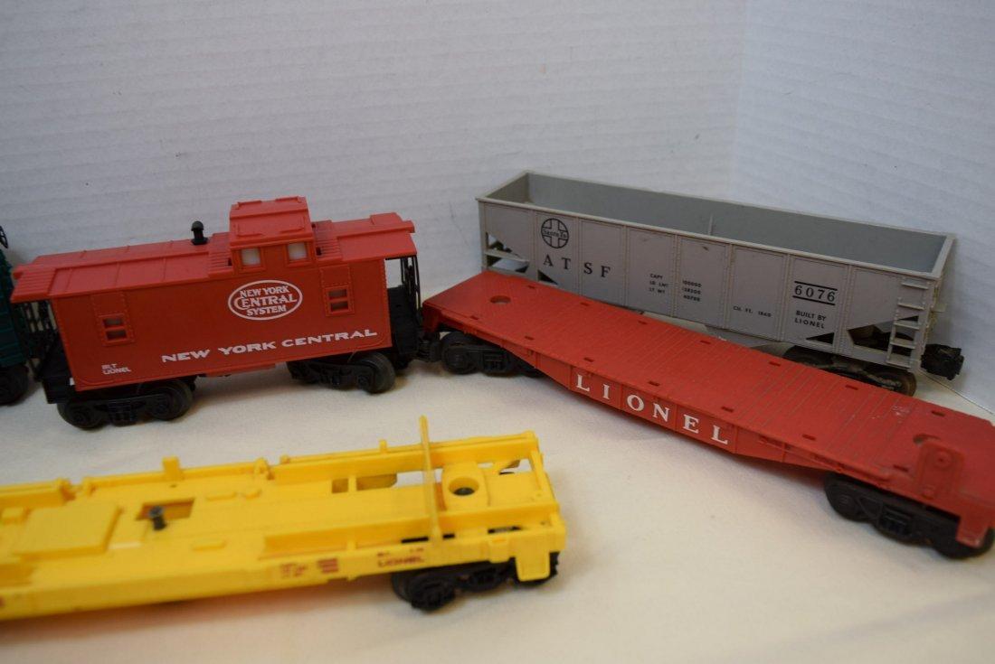 LIONEL LOCOMOTIVE 1062 & 5 TRAIN CARS - 2