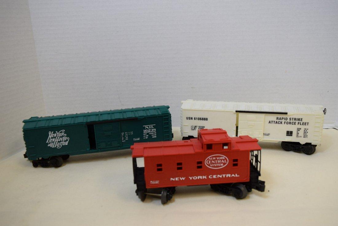 LIONEL LOCOMOTIVE 1060 & 5 TRAINS CARS - 4