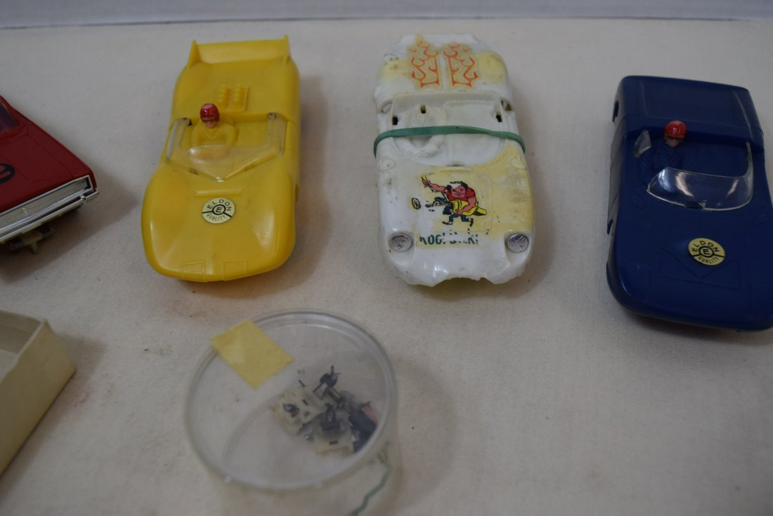4 ELDON SLOT CARS & EXTRA PARTS - 3