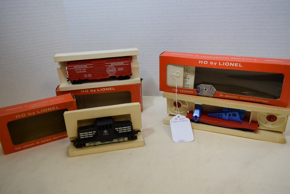 3 LIONEL HO SCALE LOCOMOTIVE TRAIN-TARGET CAR-TURB