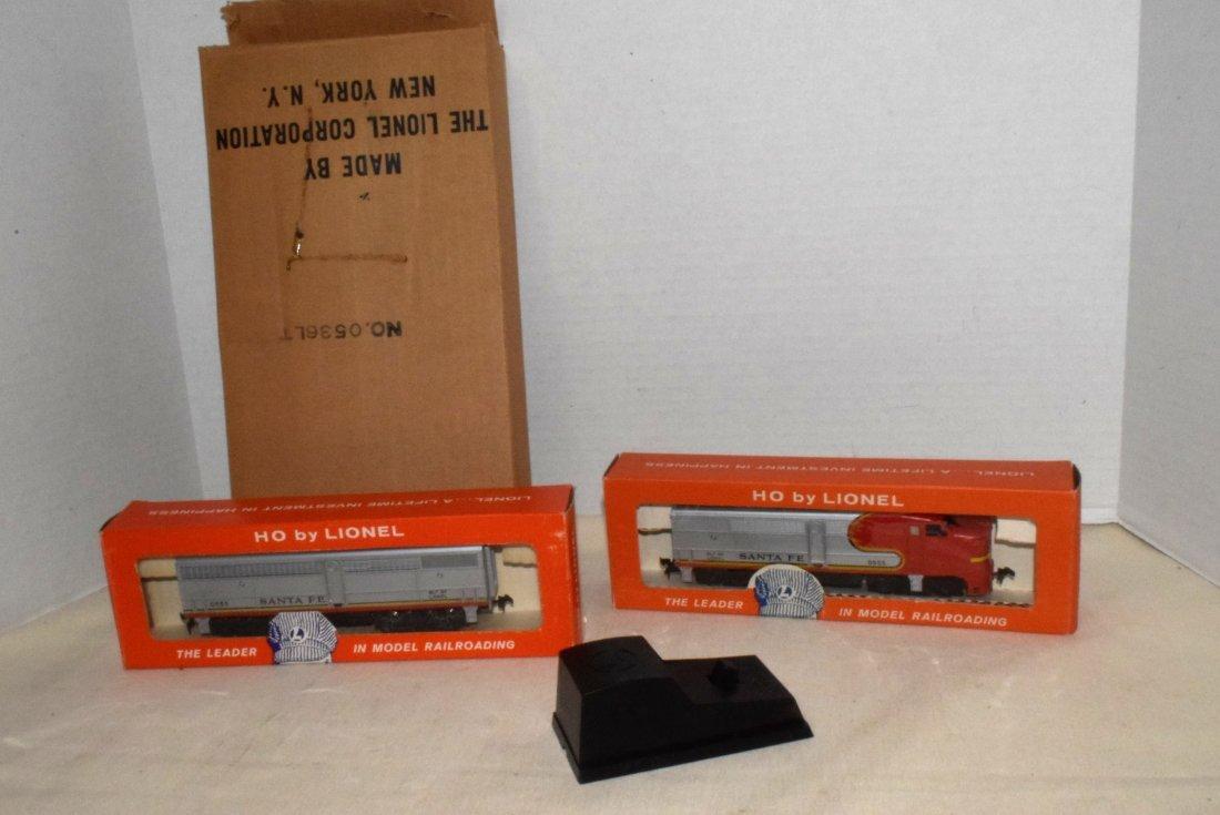 LIONEL HO TRAINS-0555P-60 LOCOMOTIVE & 0535W CAR F