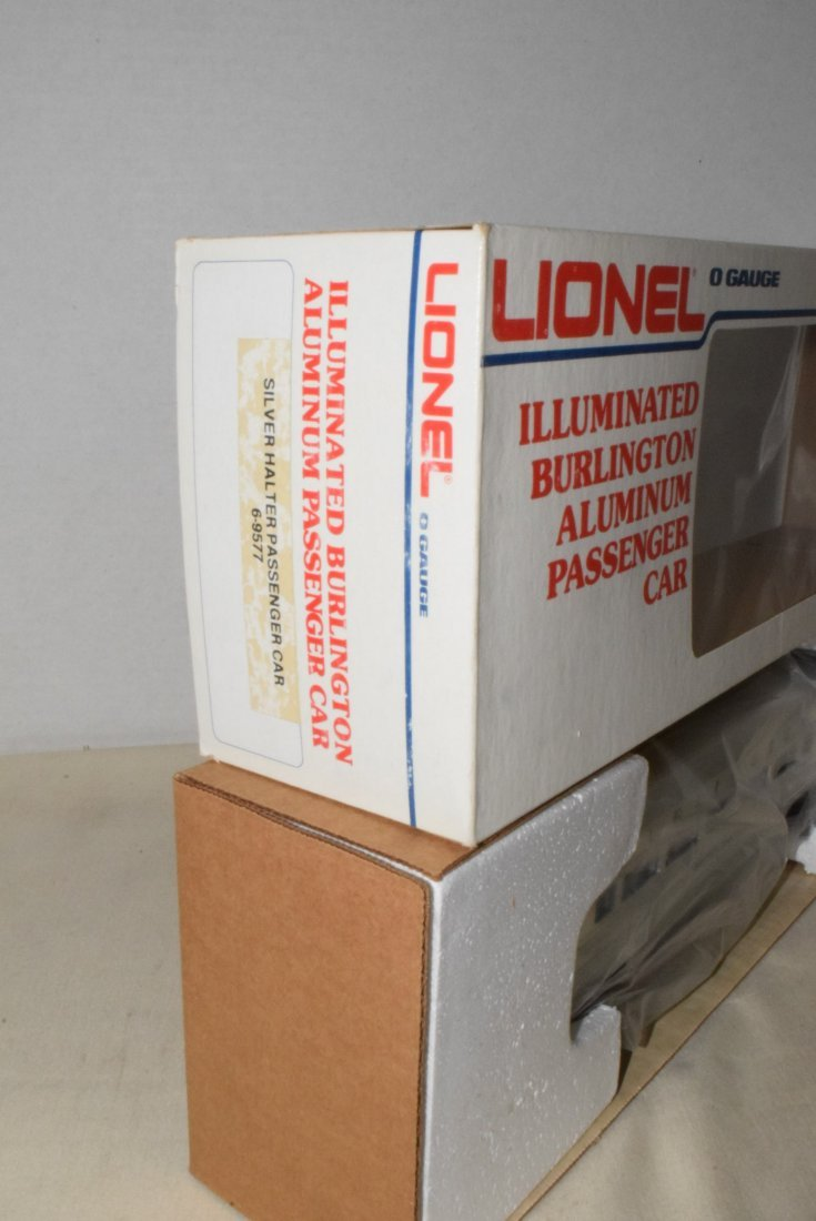 LIONEL O-GAUGE ILLUMINATED BURLINGTON ALUMINUM PAS - 4