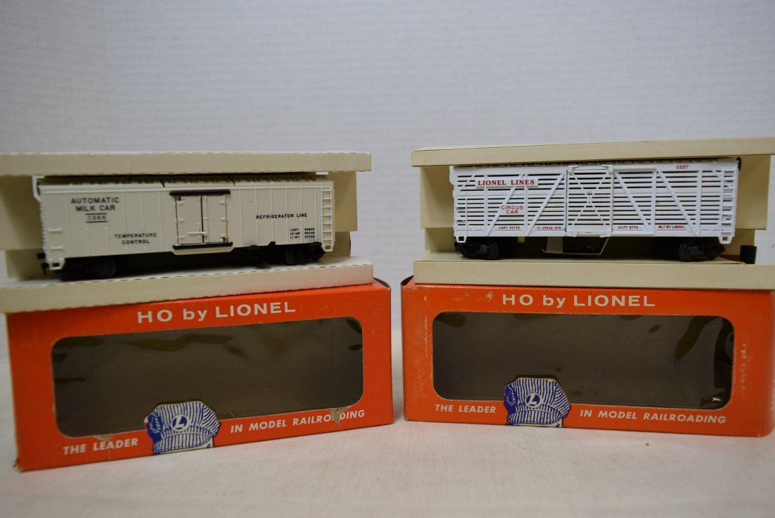 2 LIONEL H0 SCALE TRAIN CARS- GIRAFFE CAR 0337-MIL
