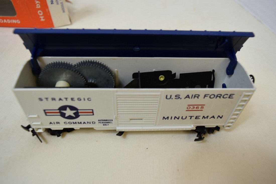 LIONEL HO SCALE TRAIN CAR- USAF MINUTEMAN MISSILE - 2