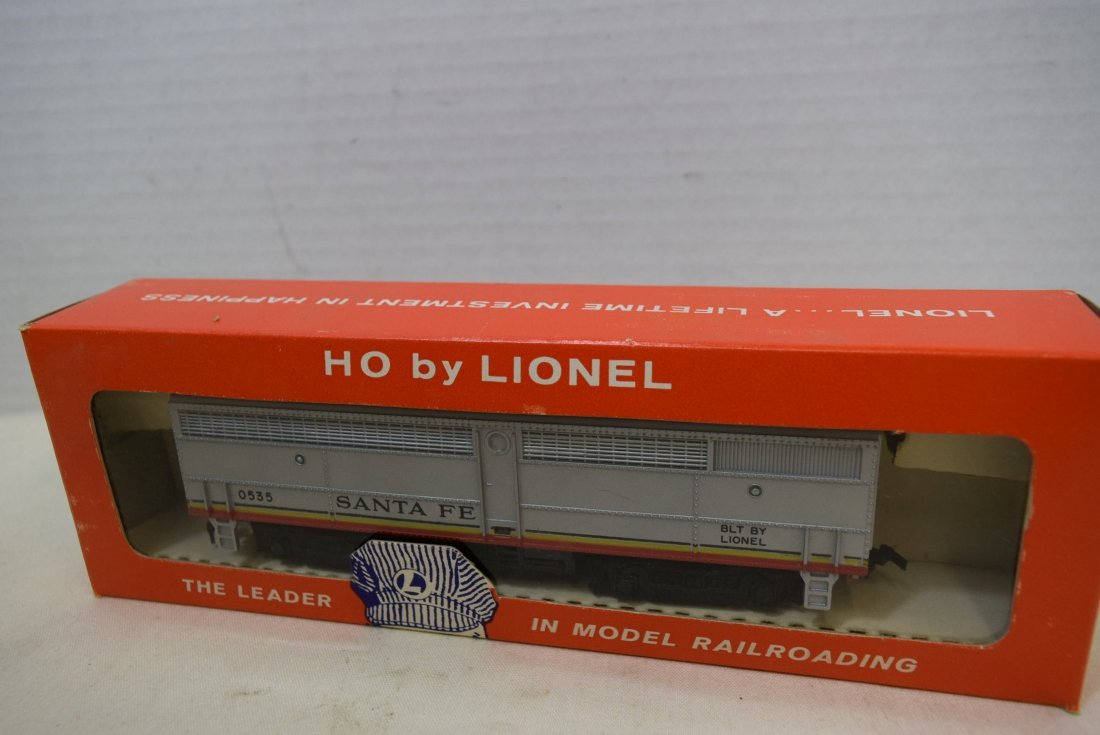 LIONEL TRAIN HO SCALE SANTA FE B-UNIT WITH HORN -