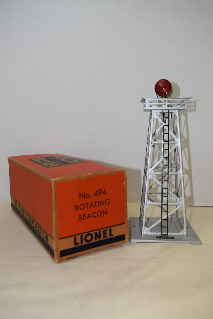 LIONEL TRAINS-ROTATING BEACON 494 IN ORIGINAL BOX