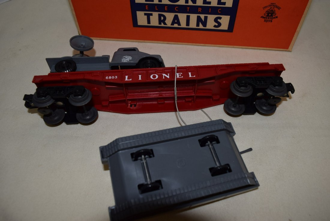 LIONEL FLATCAR WITH MILITARY UNITS 6803-IN BOX - 4