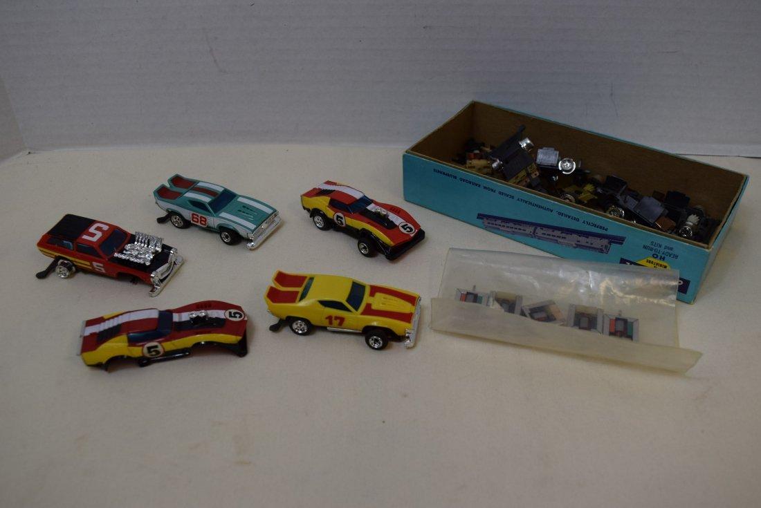 5 LIONEL 3'' SLOT CARS & PARTS
