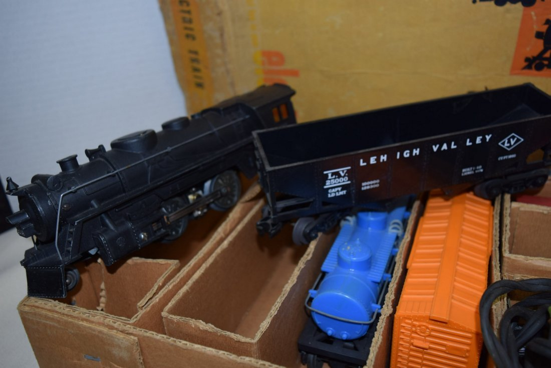 SEARS-ROEBUCK TRAIN SET WITH MARX LOCOMOTIVE 666 - 3