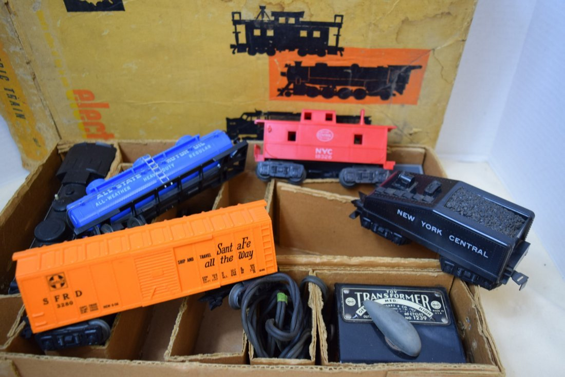 SEARS-ROEBUCK TRAIN SET WITH MARX LOCOMOTIVE 666 - 5