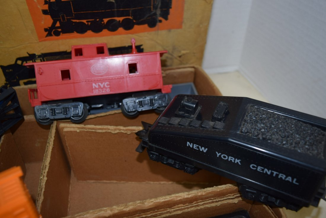 SEARS-ROEBUCK TRAIN SET WITH MARX LOCOMOTIVE 666 - 6