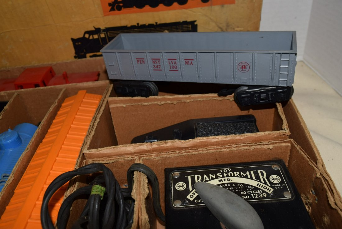 SEARS-ROEBUCK TRAIN SET WITH MARX LOCOMOTIVE 666 - 8