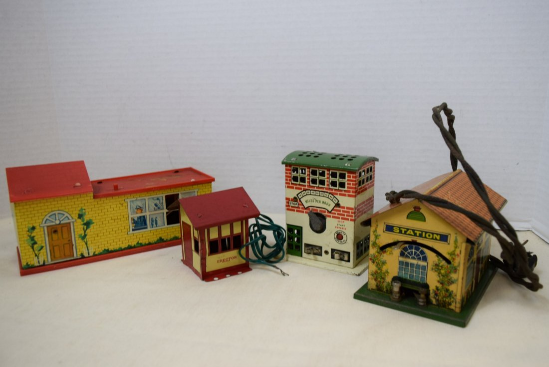 STATION HOUSES-PLASTIC-TIN LITHO AND MORE