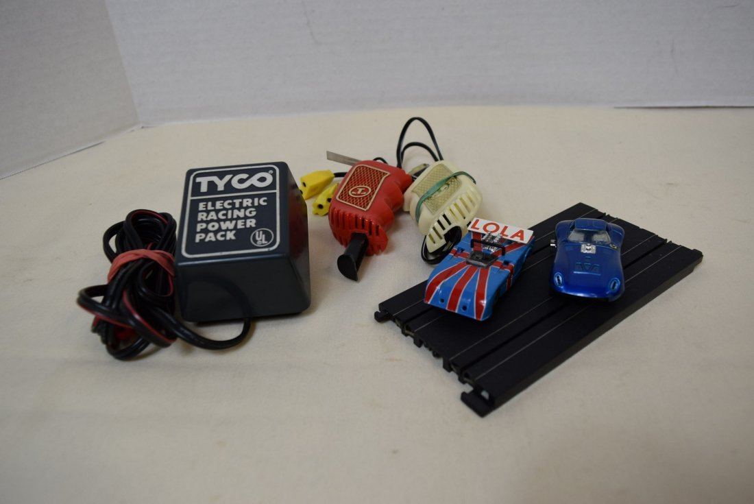 2 TYCO SLOT 2.5'' CAR RACERS AND MORE - 2