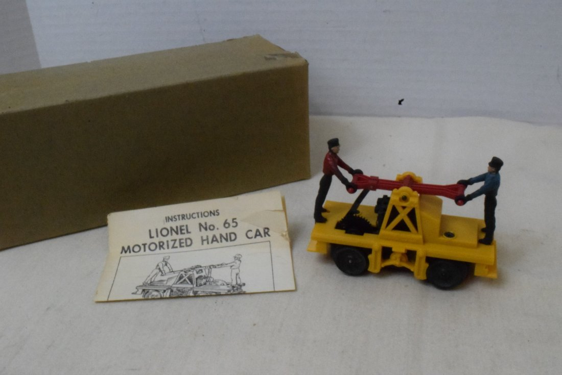LIONEL MOTORIZED HAND CAR 65