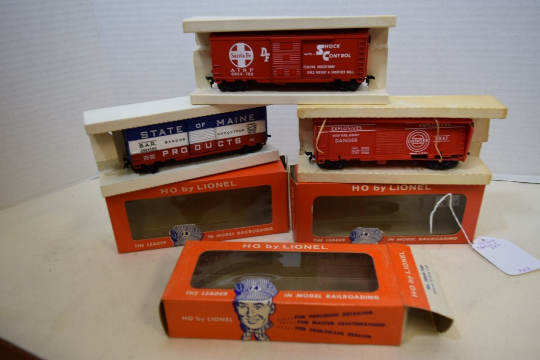 3 LIONEL HO SCALE TRAIN CARS-STATE OF MAINE BOXCAR