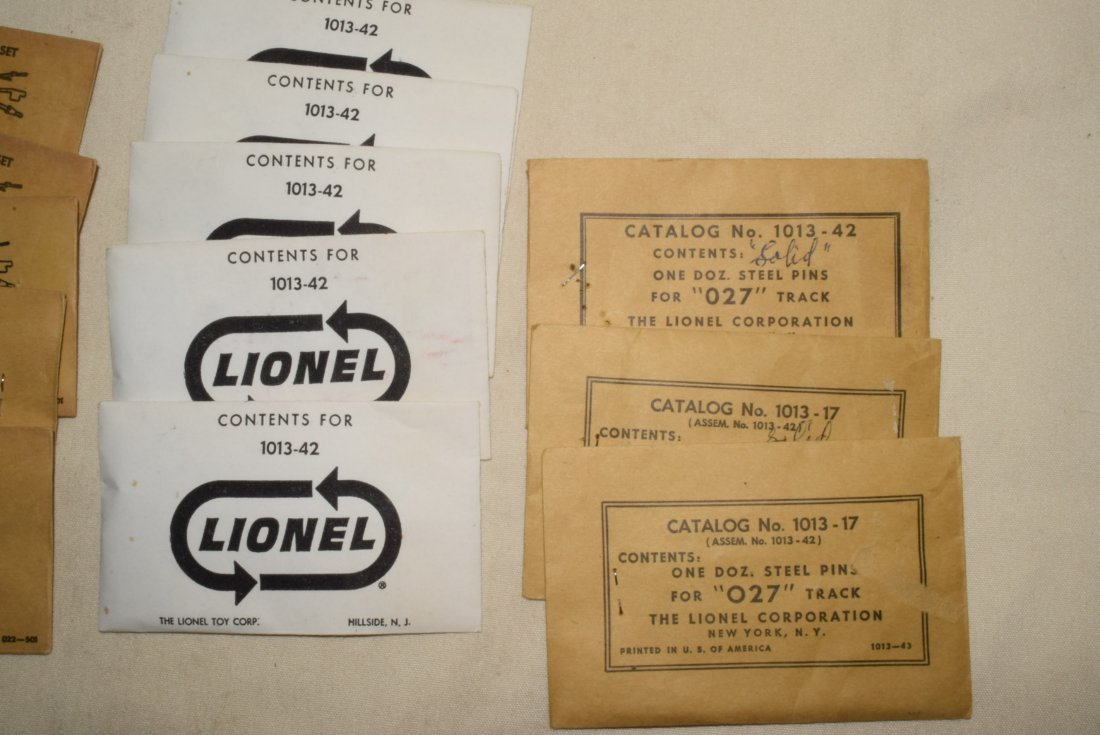 LIONEL PARTS IN ORIGINAL SLEEVES-ADAPTER SETS-STEE - 2