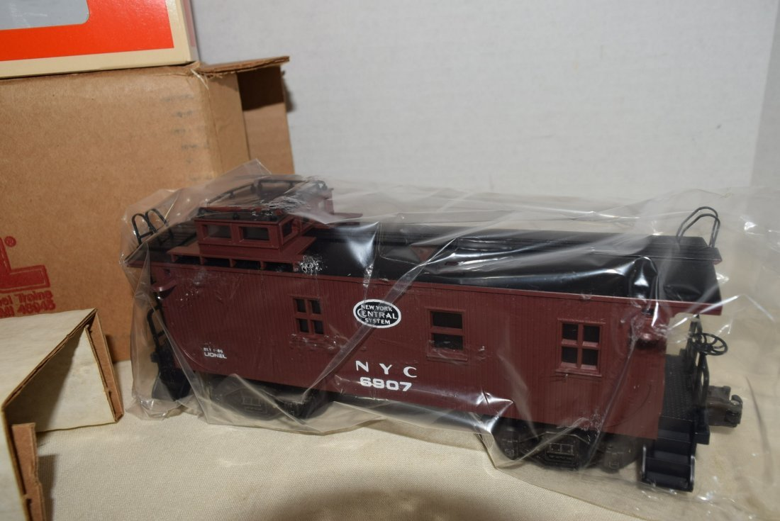 LIONEL LIGHTED WOODSIDED CABOOSE 6907 NIB - 2
