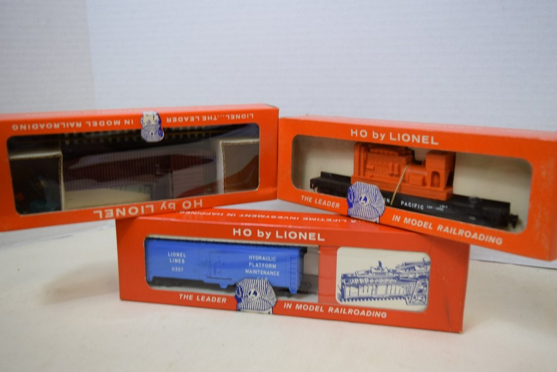 LIONEL HO SCALE TRAIN-EMERGENCY GENERATOR CAR-COP