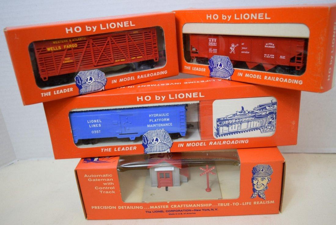 LIONEL HO SCALE TRAIN- AUTOMATIC GATEMAN-SHERIFF &