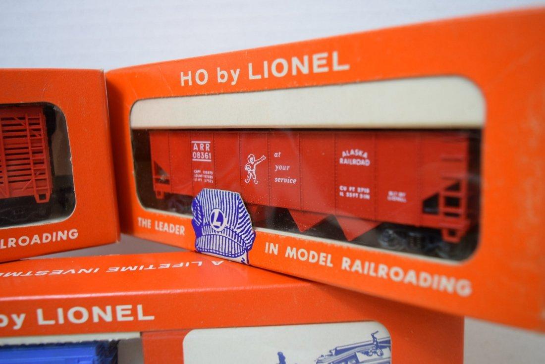 LIONEL HO SCALE TRAIN- AUTOMATIC GATEMAN-SHERIFF & - 3