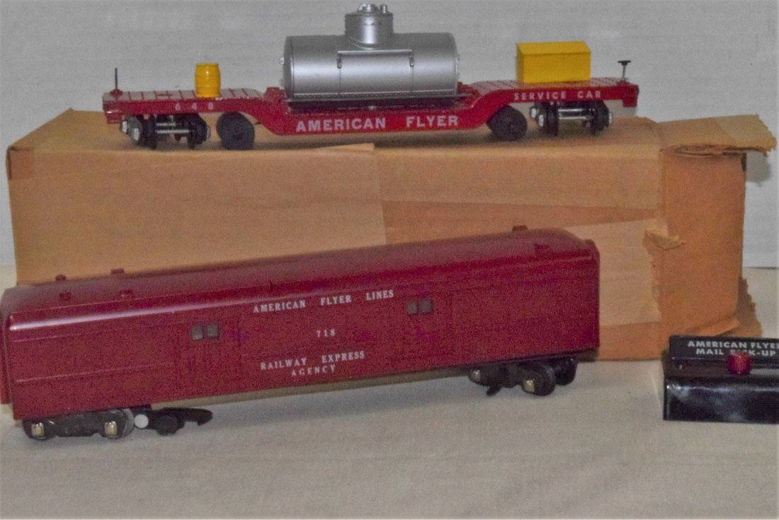 AMERICAN FLYER TRAIN-OPERATING MAIL PICK-UP CAR &