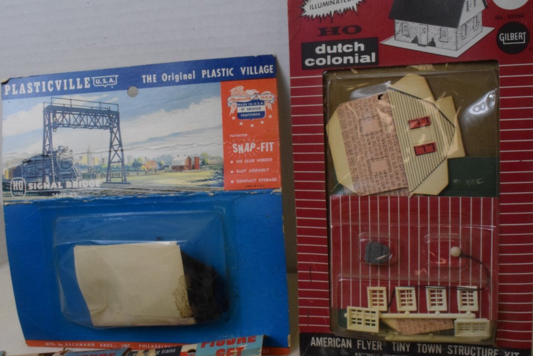REVELL LIFE-LIKE HO SCALE FIGURE SETS NEW IN PACKA - 2
