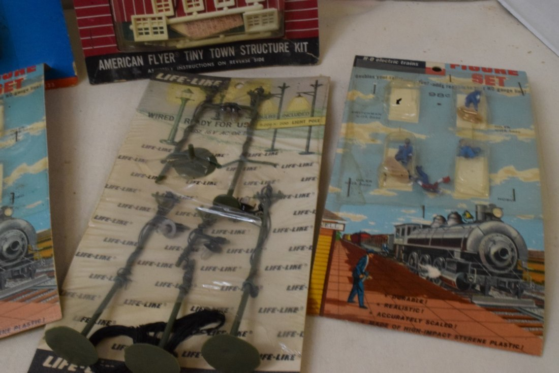 REVELL LIFE-LIKE HO SCALE FIGURE SETS NEW IN PACKA - 4