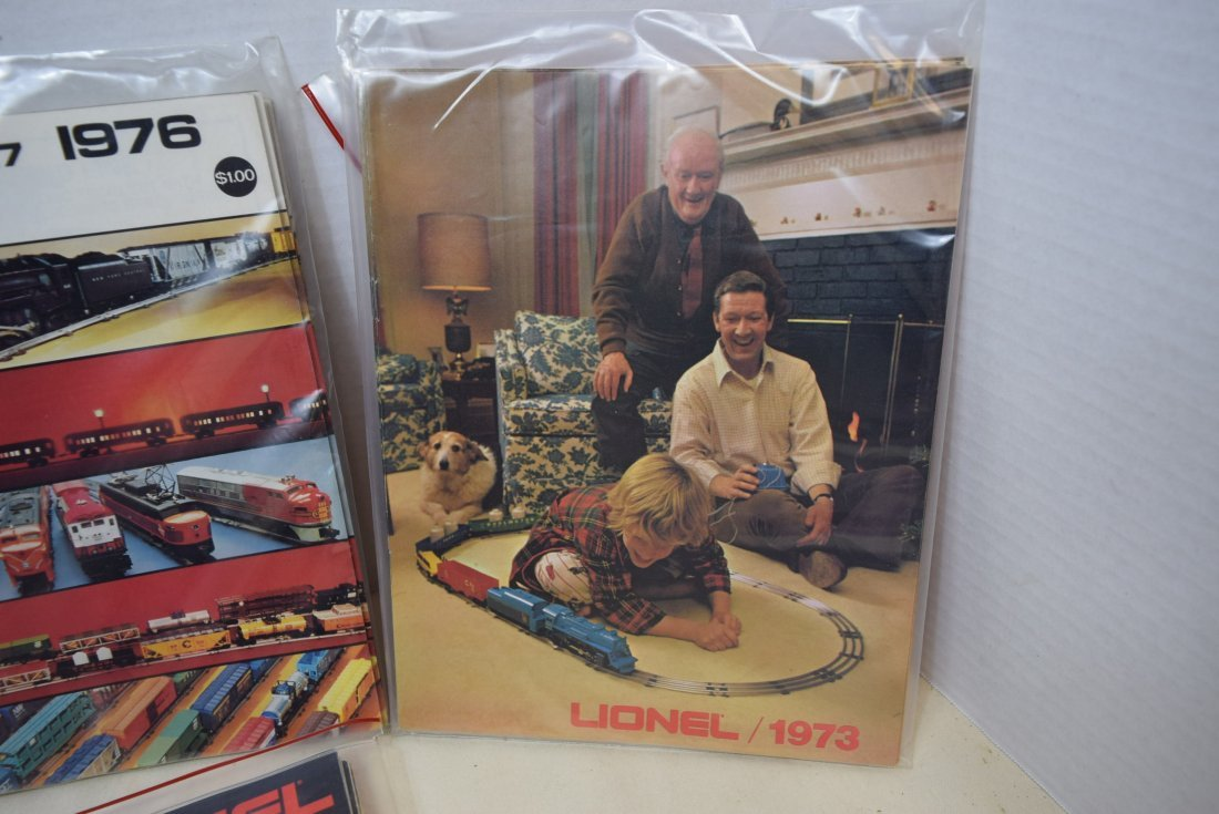 LIONEL TRAIN CATALOGS FROM 1972-1977 - 3
