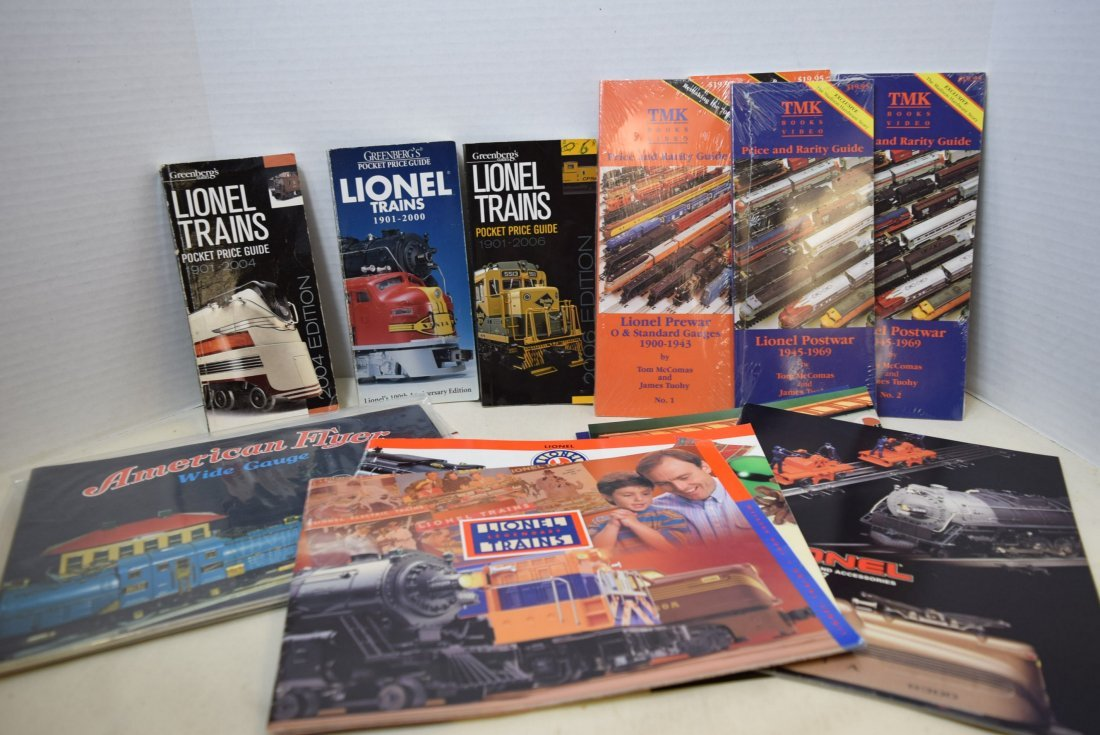 LIONEL TRAIN CATALOGS AND POCKET PRICE GUIDES