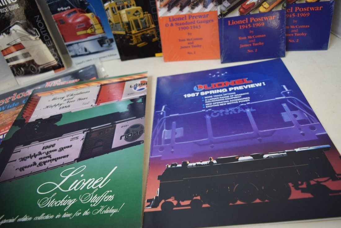 LIONEL TRAIN CATALOGS AND POCKET PRICE GUIDES - 5