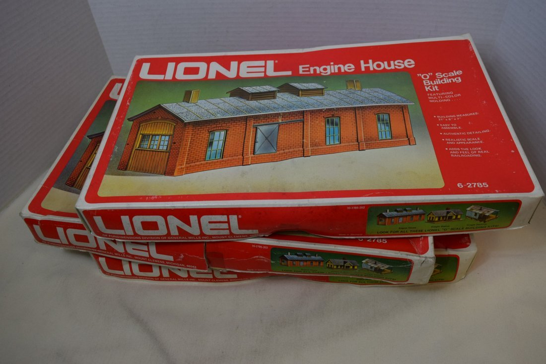 3 LIONEL ENGINE HOUSES 6-2785 IN ORIGINAL BOXES.