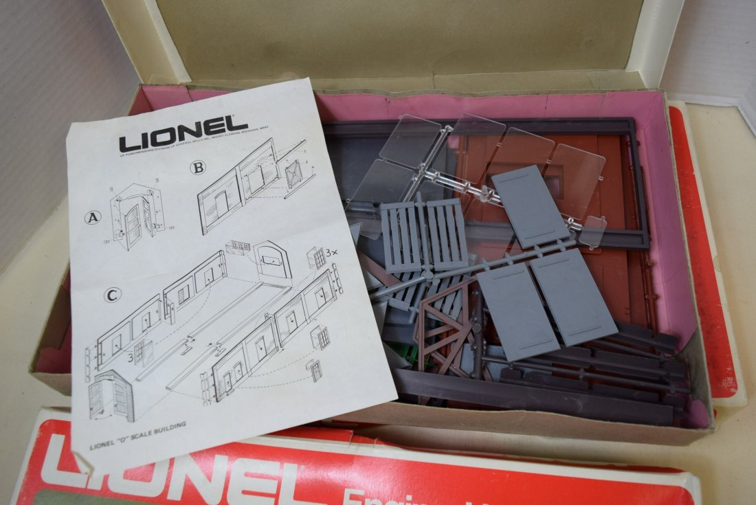 3 LIONEL ENGINE HOUSES 6-2785 IN ORIGINAL BOXES. - 3