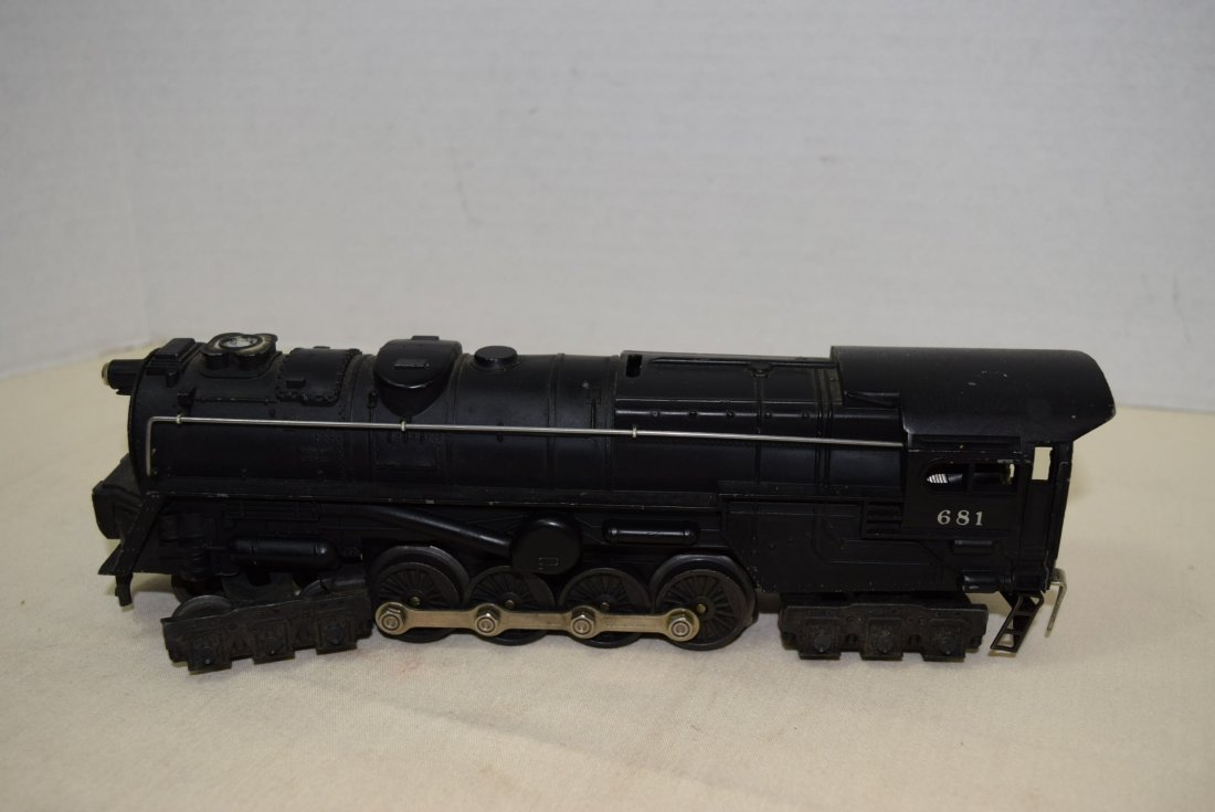 LIONEL STEAM LOCOMOTIVE 681 - 3