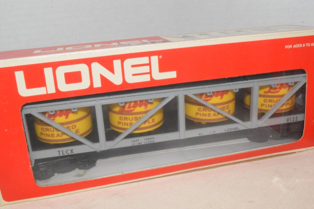 LIONEL TRAIN PICKLE AND PINEAPPLE CARS-NIB - 3