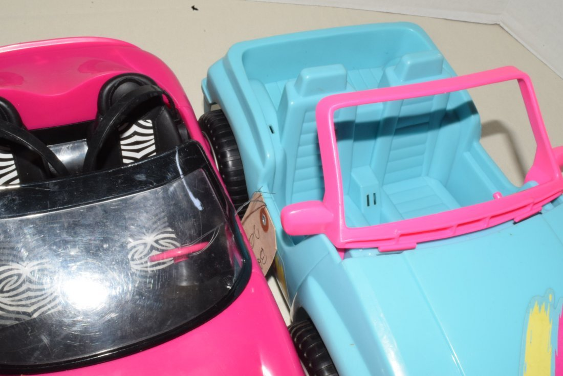 2 BARBIE CARS-SURFER JEEP & ZEBRA CRUISER WITH GPS - 3