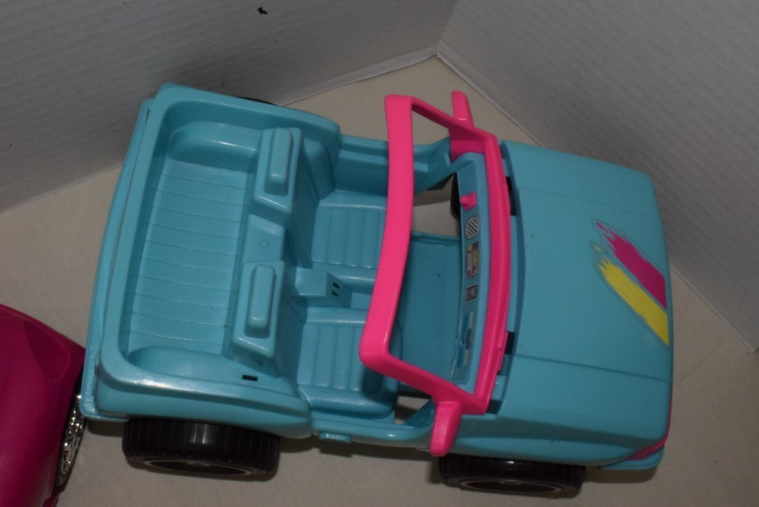 2 BARBIE CARS-SURFER JEEP & ZEBRA CRUISER WITH GPS - 4