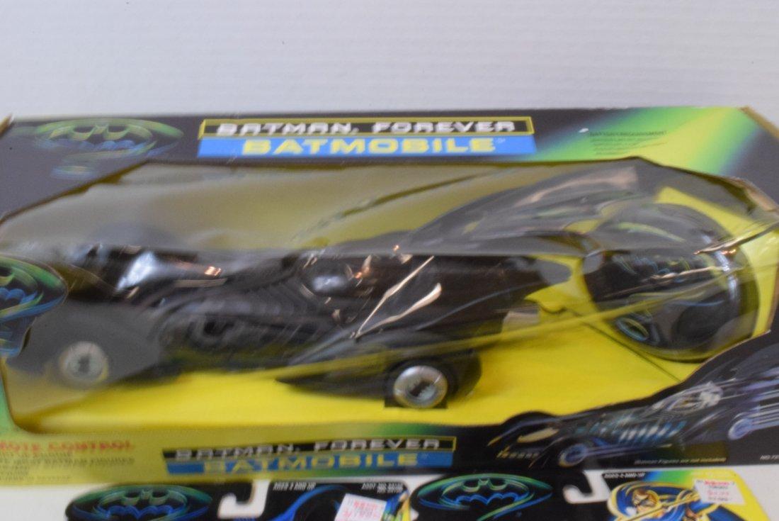 BATMAN FOREVER-1 CAR-2 FIGURINES - 2