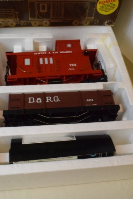 LIONEL GOLD RUSH SPECIAL TRAIN SET 8-81000 & EXTRA - 2
