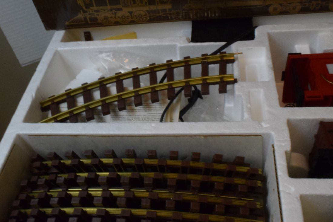 LIONEL GOLD RUSH SPECIAL TRAIN SET 8-81000 & EXTRA - 3