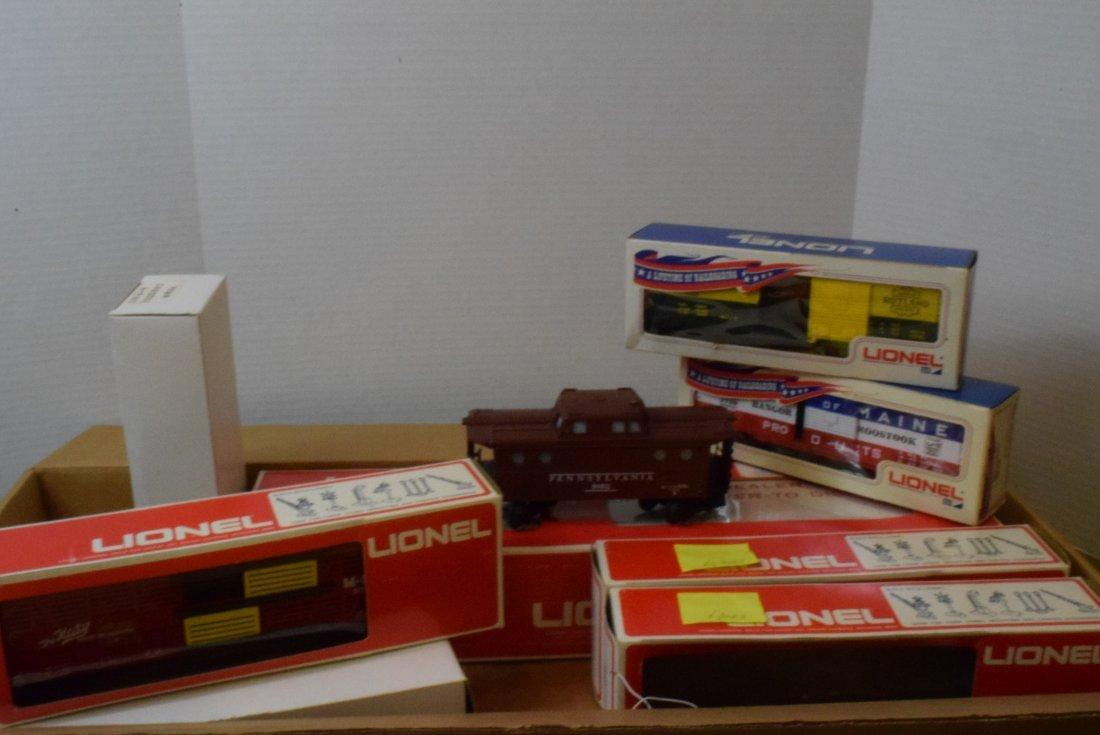 4 PARTIAL LIONEL TRAIN SETS -MANY NIB LIONEL TRAIN - 2