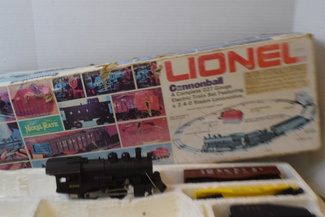 4 PARTIAL LIONEL TRAIN SETS -MANY NIB LIONEL TRAIN - 7