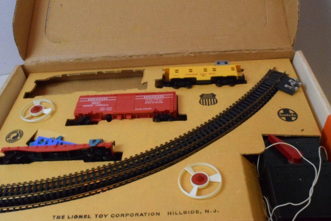 3 LIONEL PARTIAL HO TRAIN SETS - 3