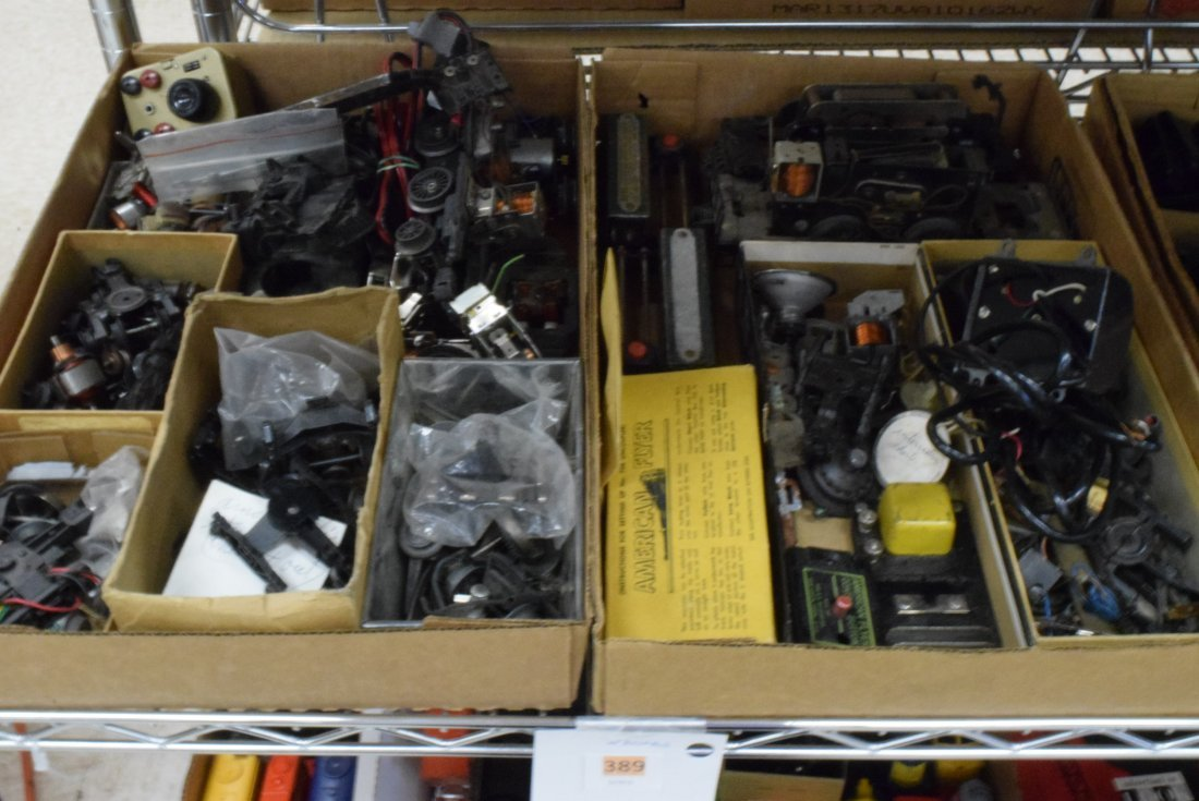LOT OF AMERICAN FLYER PARTS