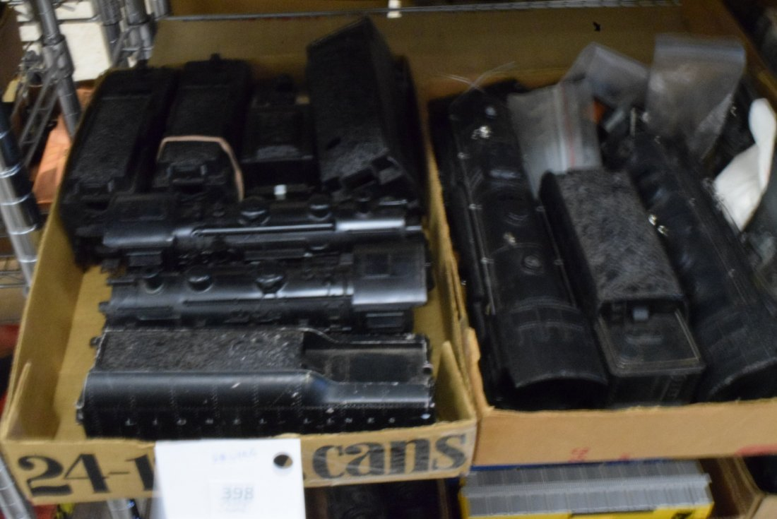 LARGE LOT OF LIONEL ENGINES AND TENDERS