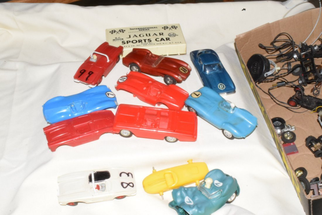 VARIOUS SLOT CARS & RACE TRACK ACCESSORIES-ELDON & - 3