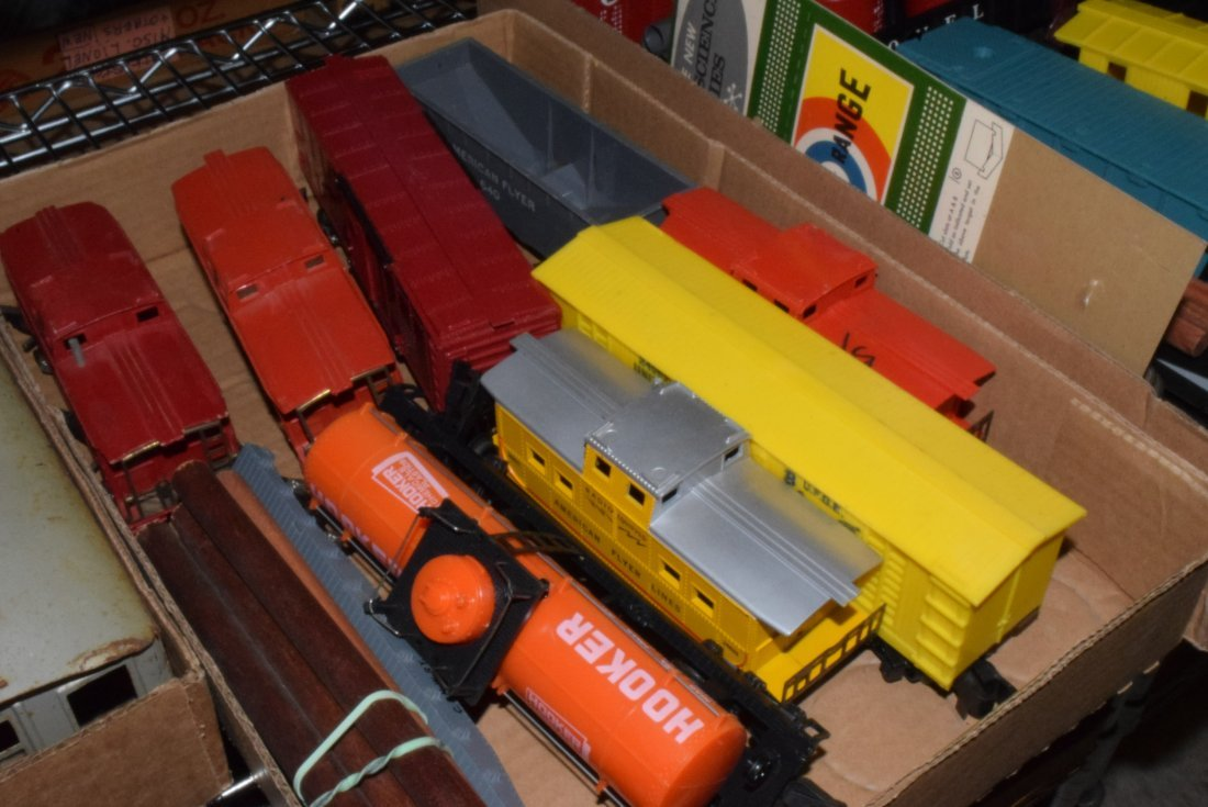 VARIOUS TRAINS-DIFFERENT SCALES & MAKERS - 3