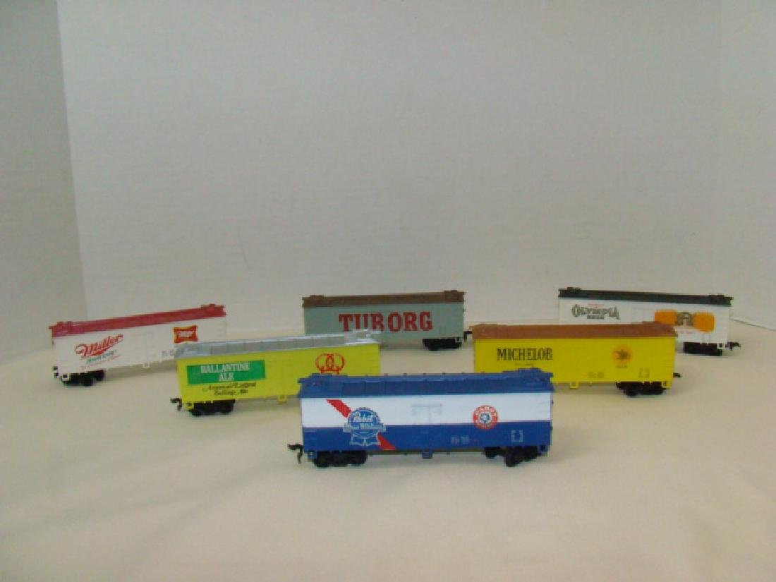 LIFE-LIKE-6 BEER THEMED BOXCARS-HO SCALE